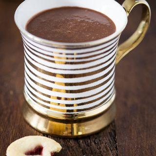 hot-chocolate-vegan-helene-holunder