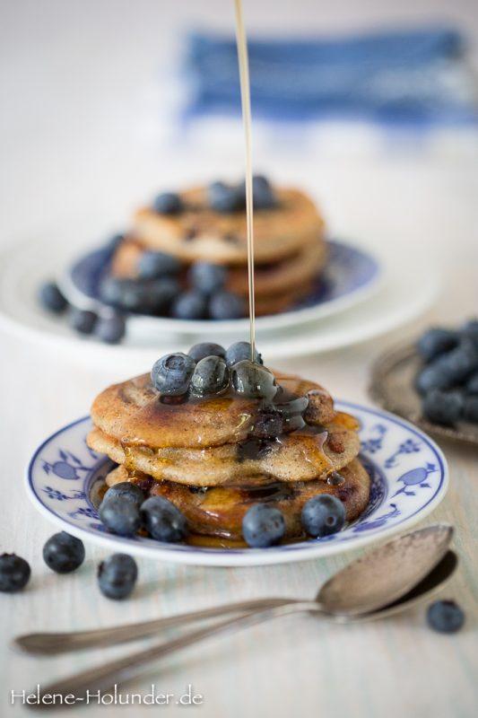 Helenes Buchweizenpfannkuchen mit Blaubeeren, vegan, Helene Holunder