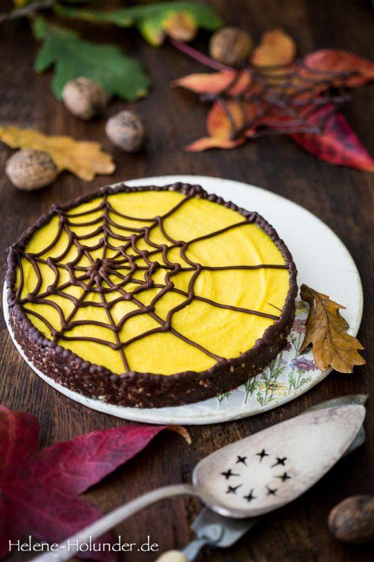 Spiderweb Golden Milk Cake, vegan, Helene Holunder