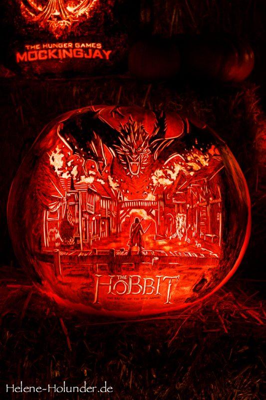 Halloween am Highway 101, Helene Holunder