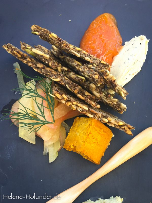 raw food kitchen lunch im plant food wine in miami helene holunder. Black Bedroom Furniture Sets. Home Design Ideas
